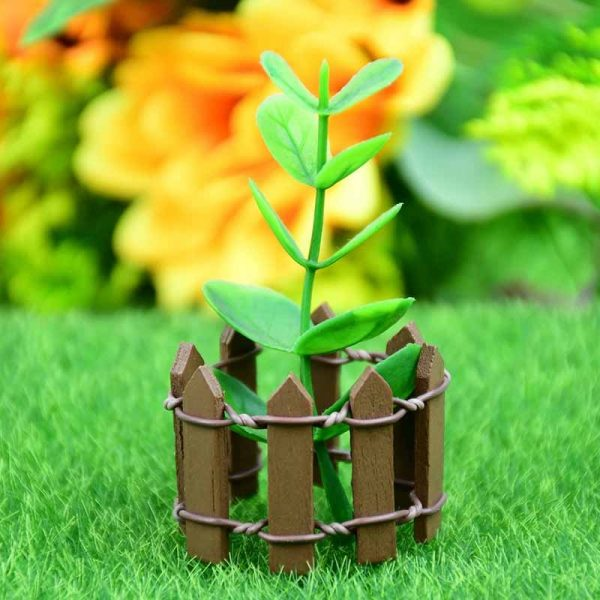 Деревянный заборчик